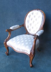 VICTORIAN OVAL WALNUT BUTTONED BACK ARMCHAIR